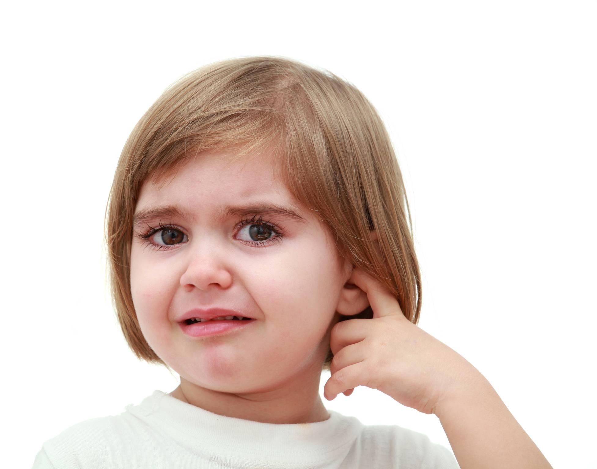 болит ушко у ребенка 3 года