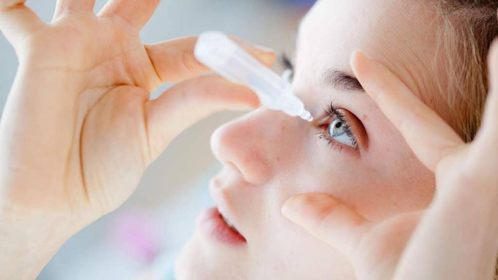 Как правильно промывать глаза человеку в домашних условиях.