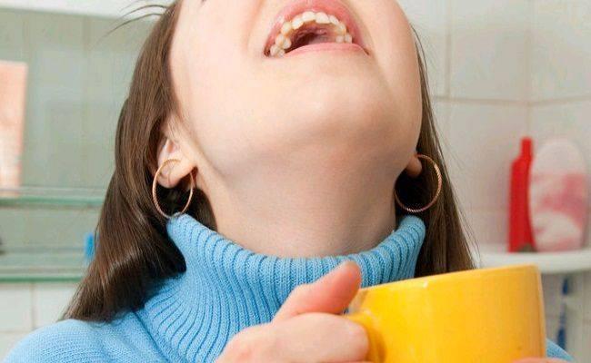 Что дает полоскание горла содой и как его делать правильно