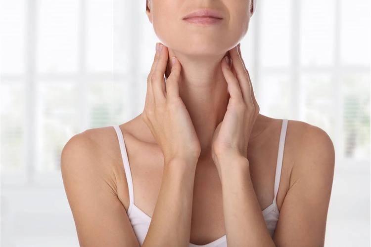 «слёзы — это симптом, а не слабость характера»: у меня гиперфункция щитовидной железы — wonderzine