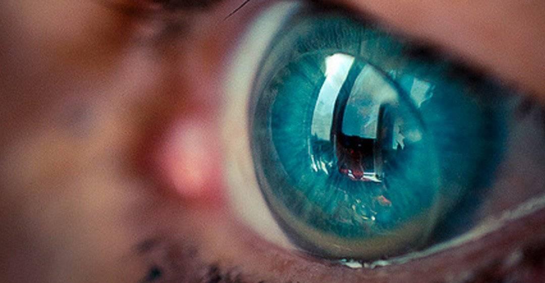 Рассматриваем вопрос, может ли линза потеряться в глазу