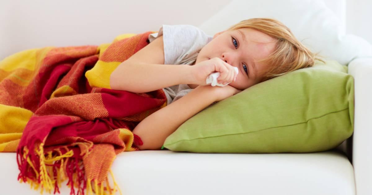 долго не проходит насморк у ребенка чем лечить