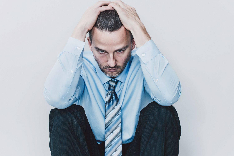Симптомы депрессии у мужчин. как помочь мужчине выйти из депрессии?