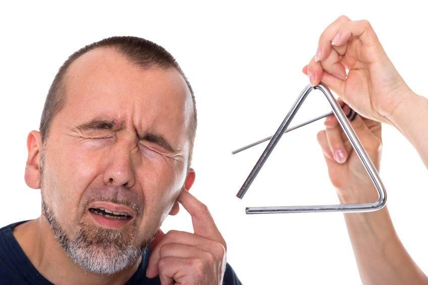 резкий звон в ушах
