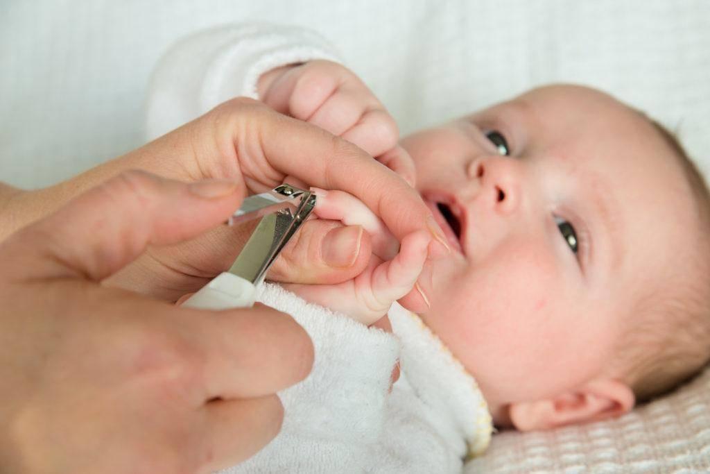 как чистить уши грудному ребенку