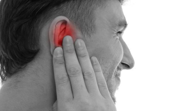 Почему болит челюсть возле уха и чем это лечить?