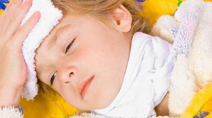 Можно ли при ларингите ставить горчичники и как правильно делать компресс на горло ребенку и взрослому