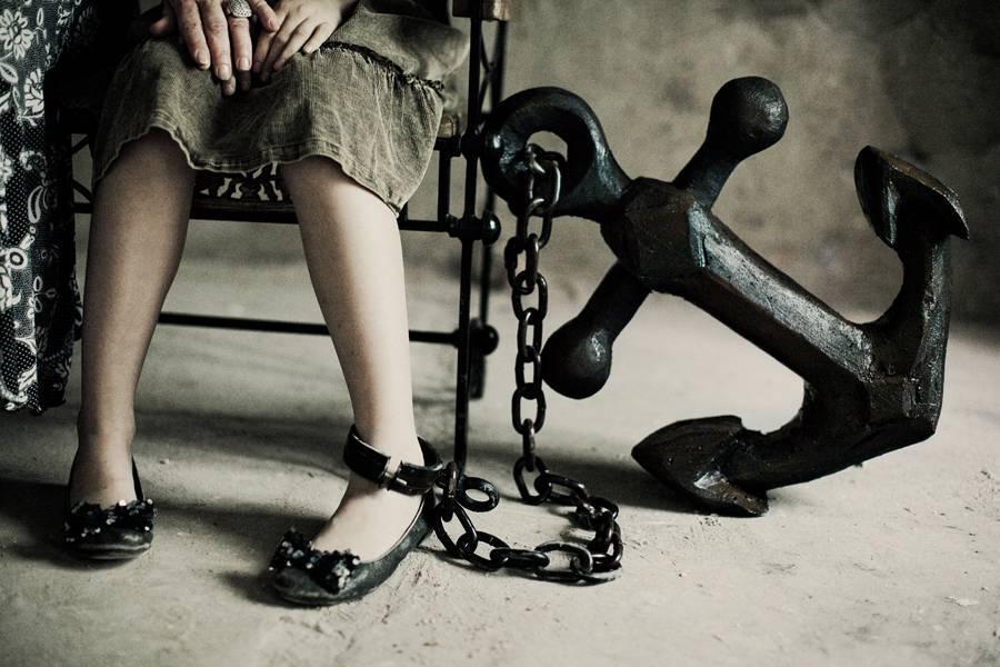 Зависимость: виды (алкогольная, от работы, интернет, любовная), характеристика, формы, лечение, причины