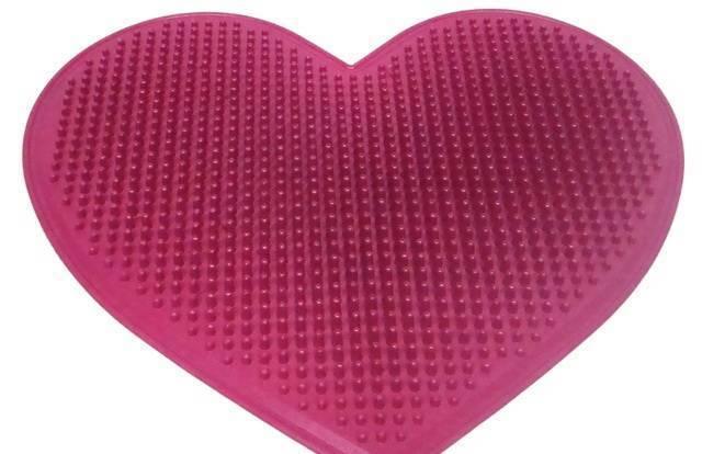 Как используют гемостатическую губку, подушку и другие средства при геморрое