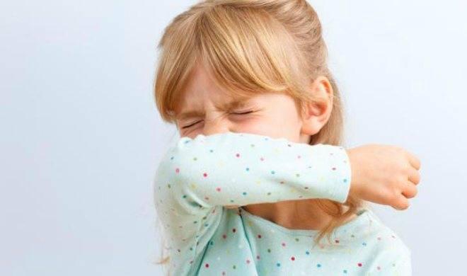 Заботимся о своем малыше: можно ли купать ребенка при кашле с температурой и без