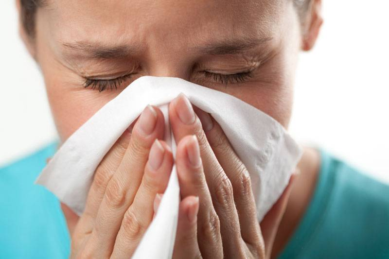 Насморк и чихание - как быстро избавиться, что принимать