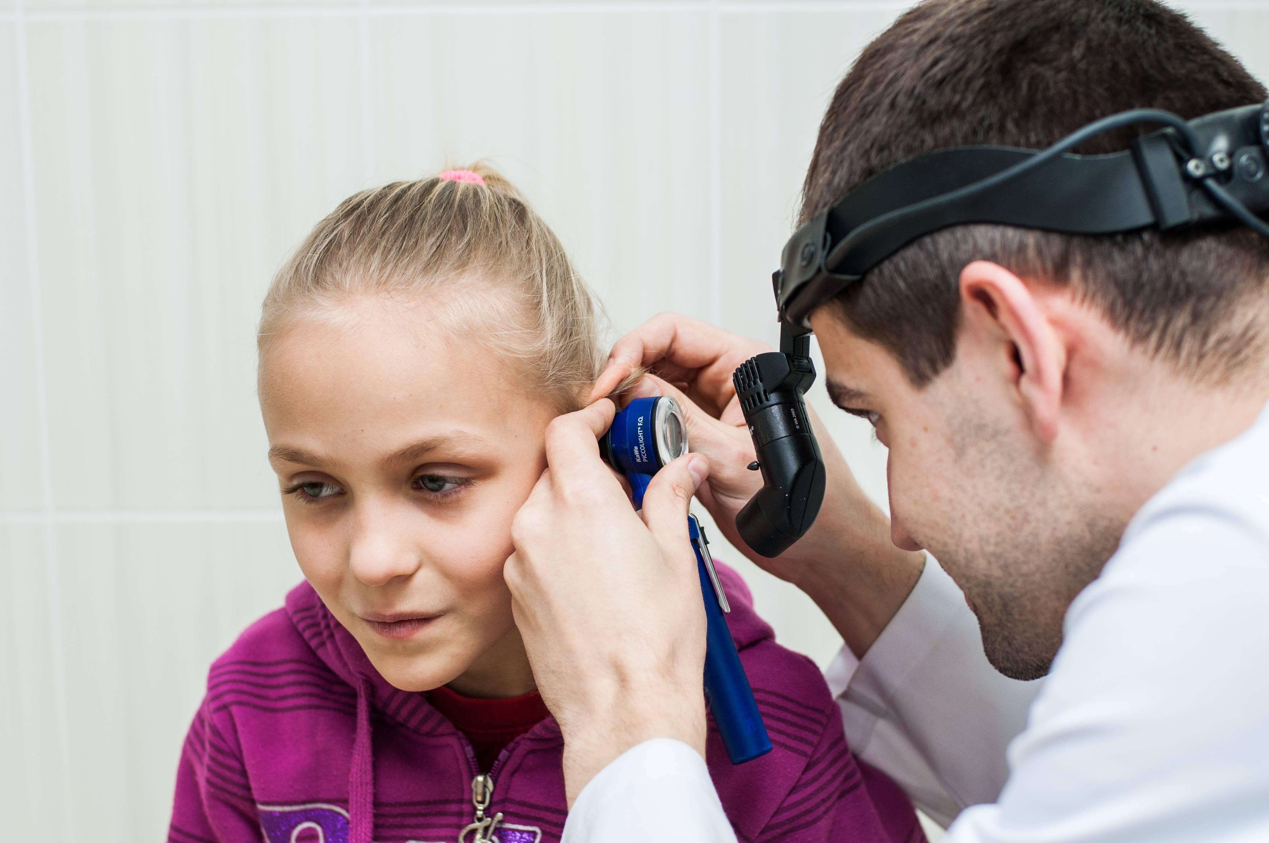 врач по болезням уха