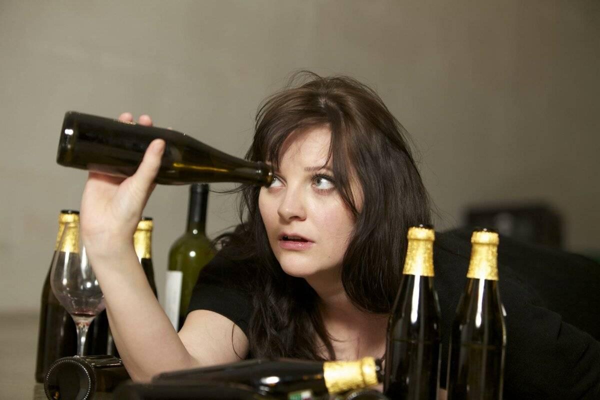 причины алкоголизма у женщин
