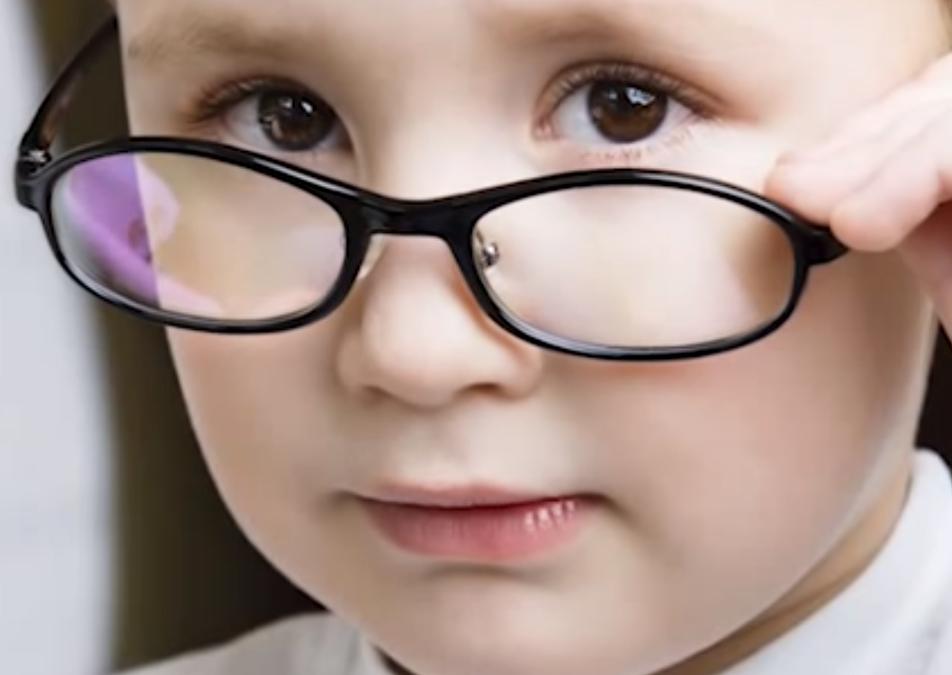 Причины возникновения и лечение близорукости у детей