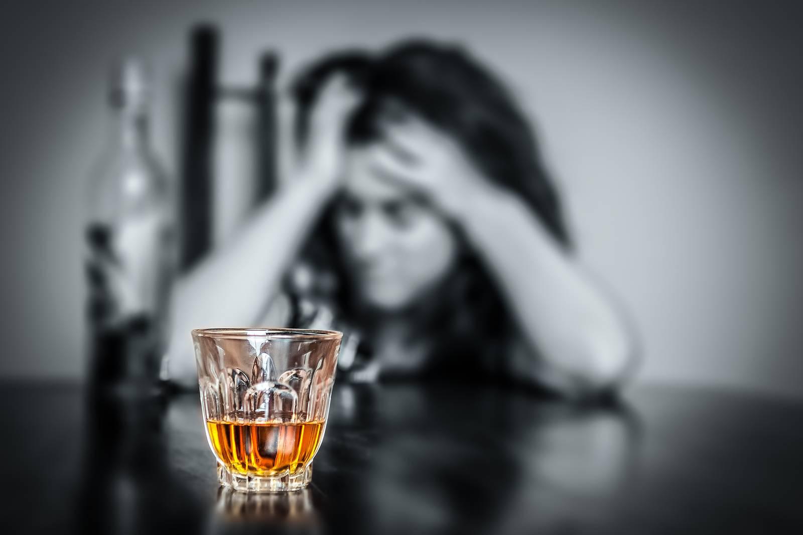 Алкоголь и депрессия: есть ли выход из замкнутого круга