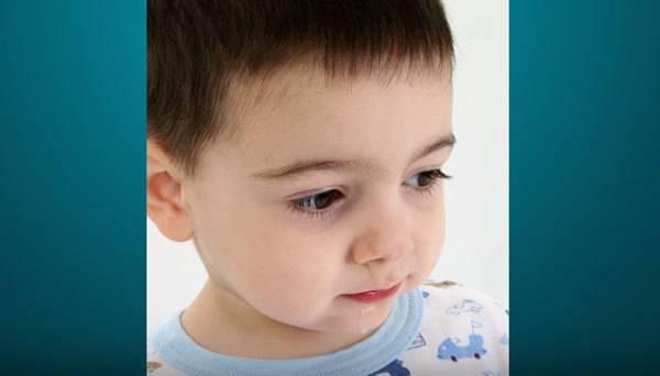 О чем говорят мешки под глазами у ребенка