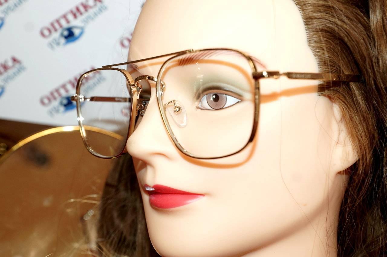 Откорректировать зрение при астигматизме помогут очки и линзы