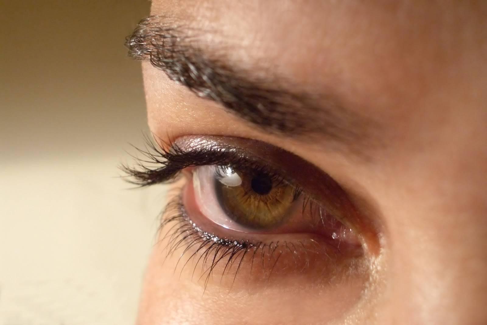 Ученые о психологическом эффекте моргания. частое моргание глазами: как лечить
