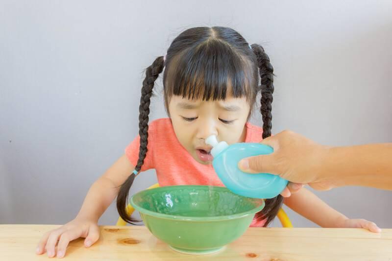 как промыть нос ребенку в домашних условиях