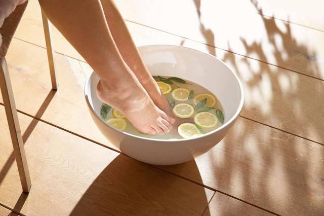 Можно ли парить ноги при насморке детям