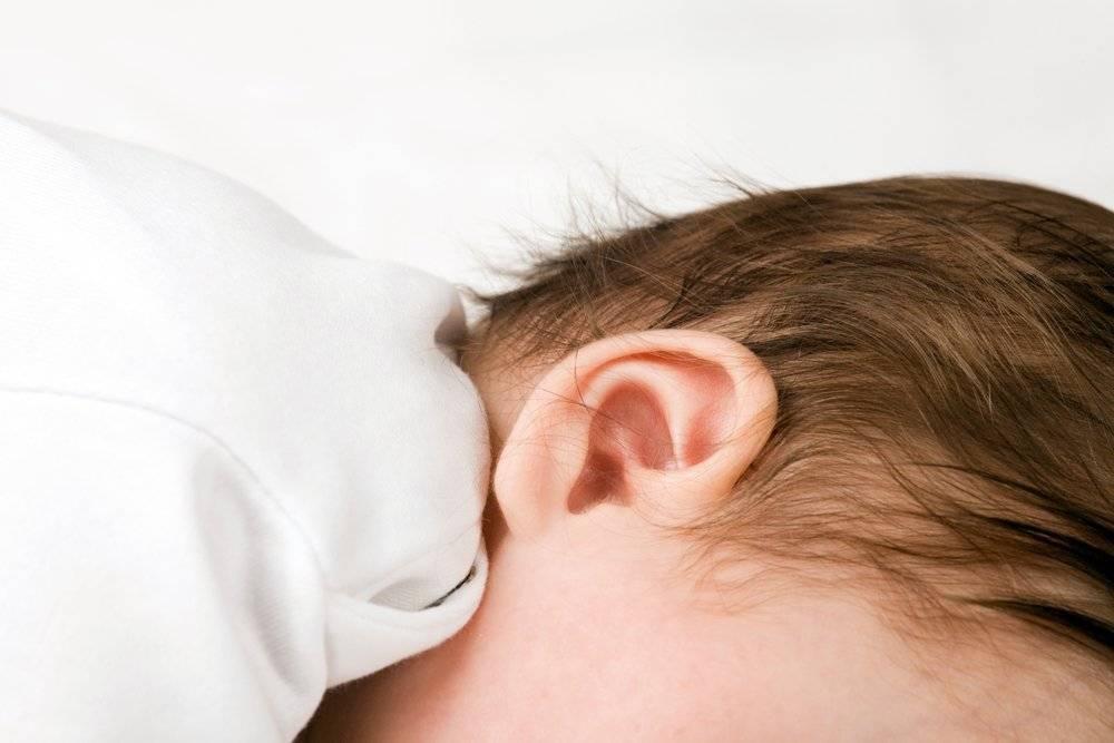 Как узнать что болят уши у грудничка