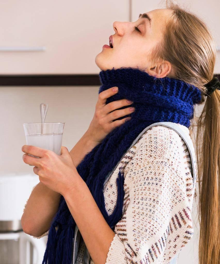Полоскание горла содой и солью при ангине