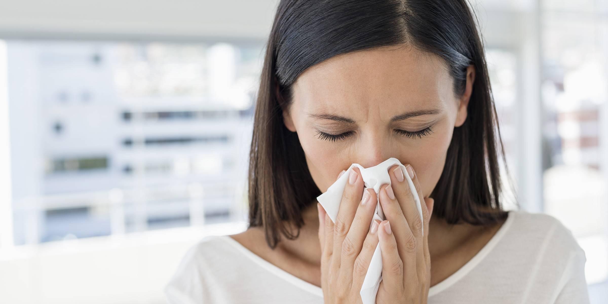 Аллергический ринит у взрослых: причины, симптомы и лечение
