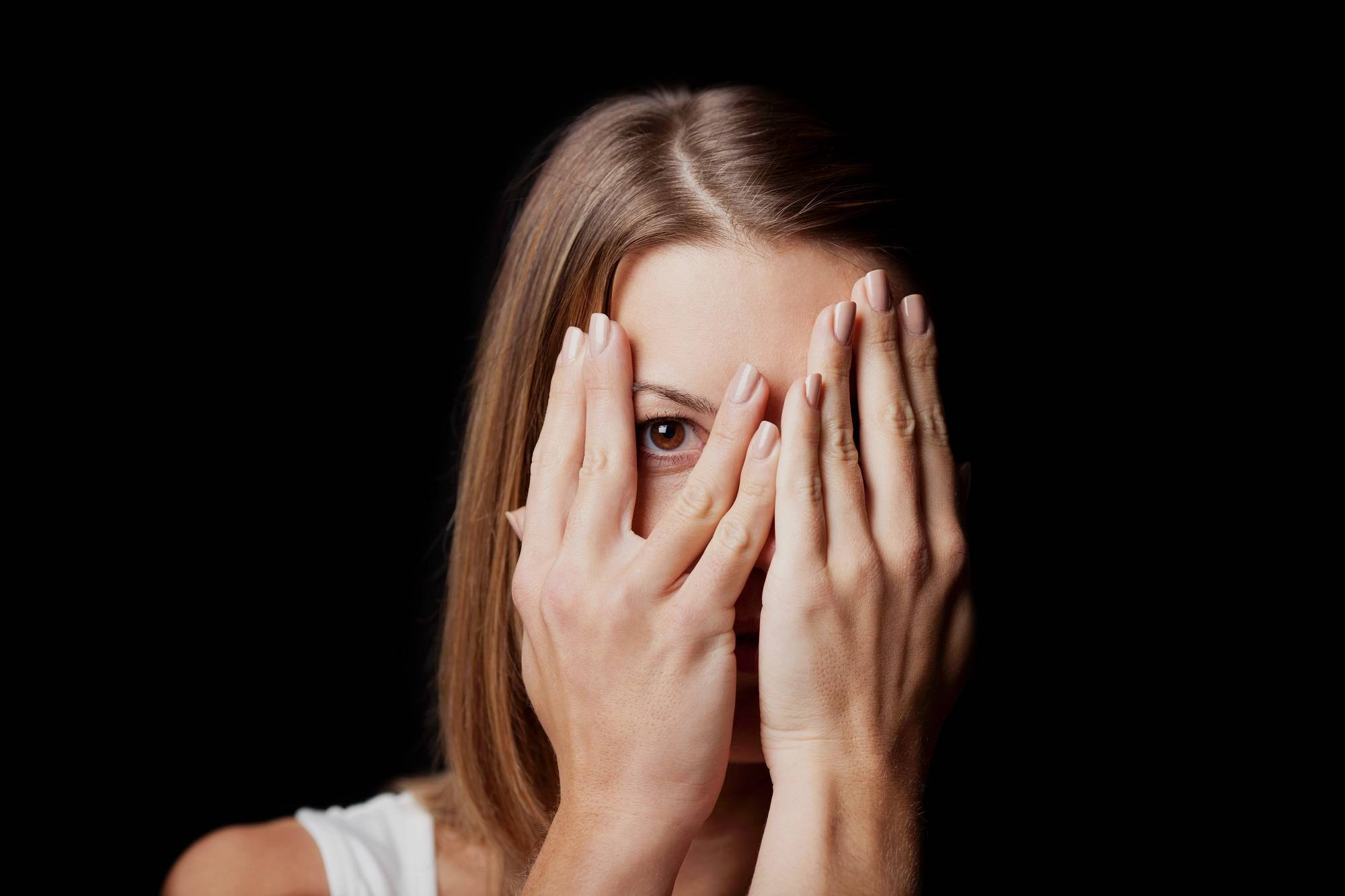 О каких заболеваниях говорит светобоязнь глаз: симптомы, причины и эффективное лечение