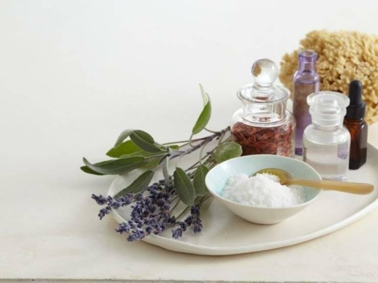 Совмещаем приятное с полезным: какие ванны лучше принимать для лечения псориаза в домашних условиях?