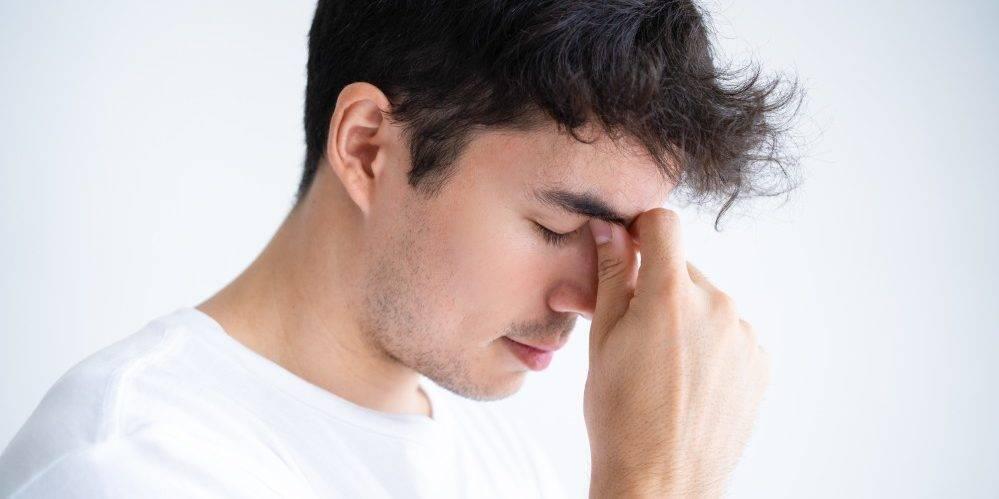 болит переносица и лоб