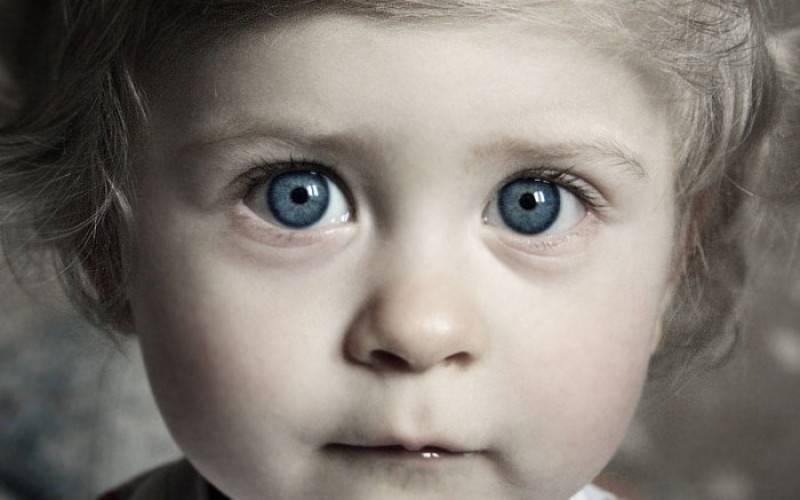 Почему дергается глаз у ребенка
