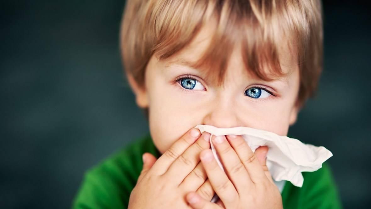 Ребенок ударился носом – первая помощь и возможные осложнения