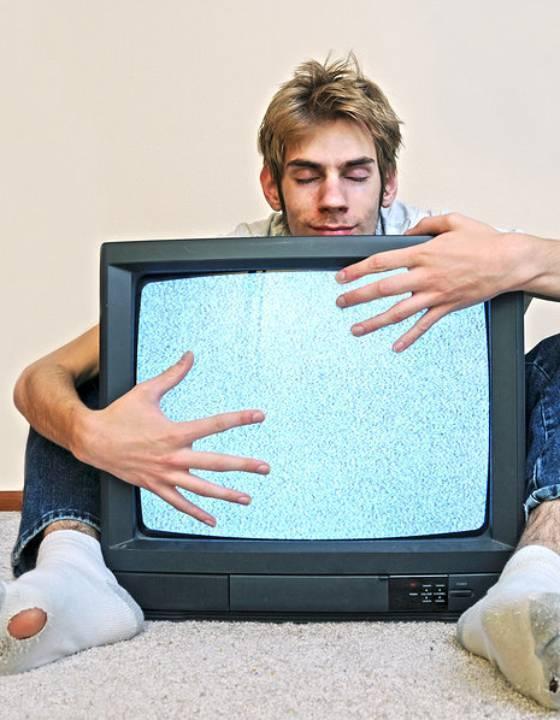 Medweb - жизнь или телевизор: чем опасна телемания?