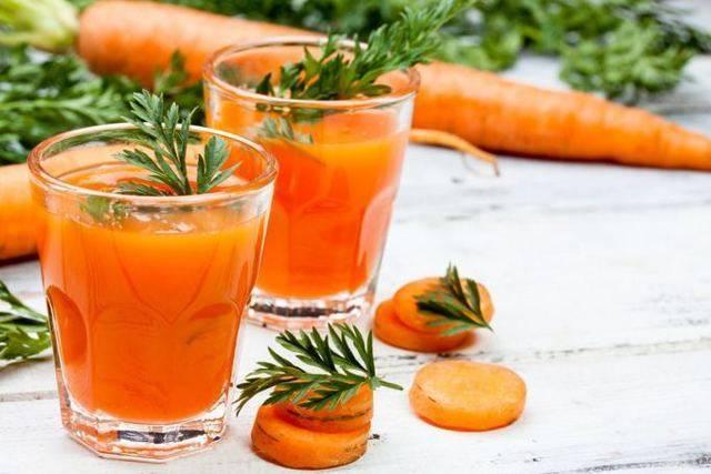 Чем полезен морковный сок для организма и его применение в косметологии