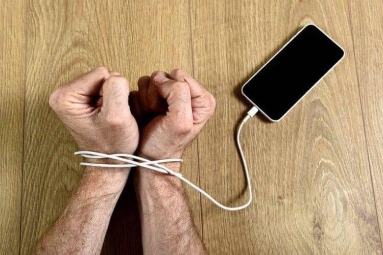 Тест: а вы зависимы от вашего смартфона? :: инфониак