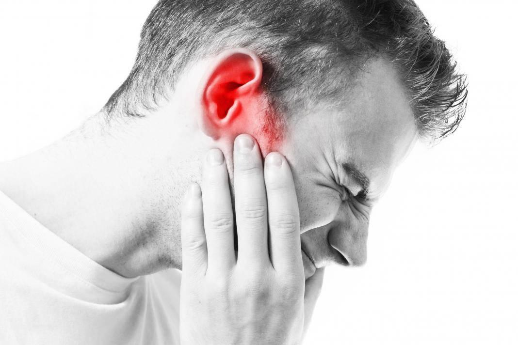 Болит горло и температура 38: применение лекарственных и народных препаратов