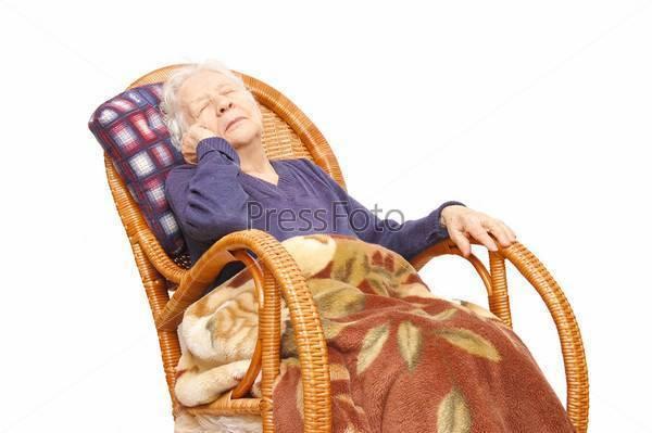 Бессонница в пожилом возрасте: как вернуть благосклонность морфея?