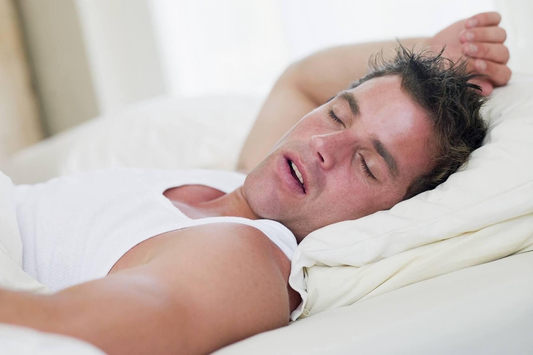 Почему кашель усиливается в положении лежа у взрослых и детей