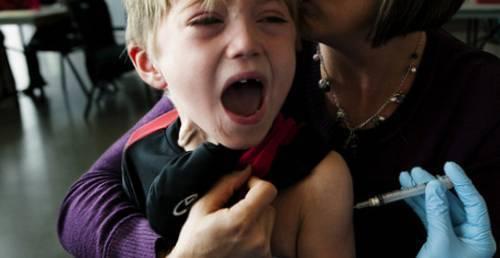 Может ли от акдс проявиться аутизм?