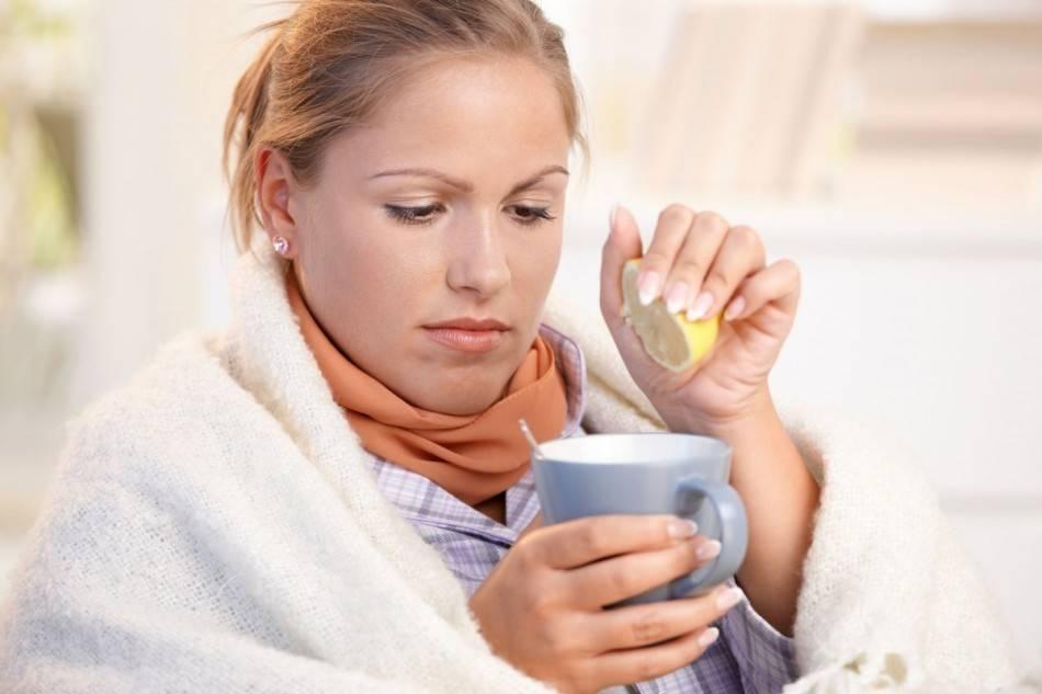 Можно ли пить горячее при ангине и рецепты полезных напитков