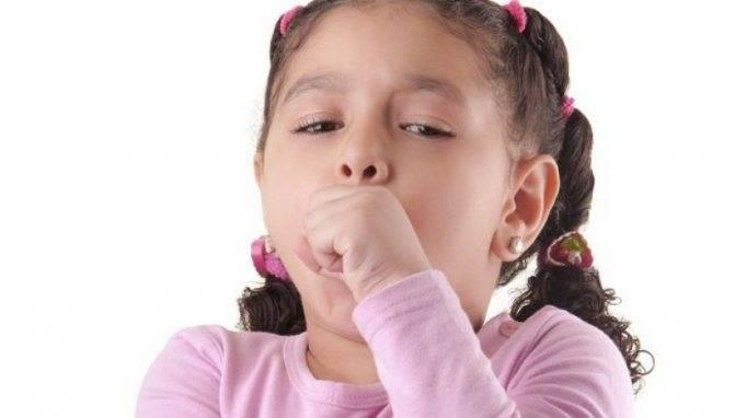 ребенок кхыкает как будто горло чешется