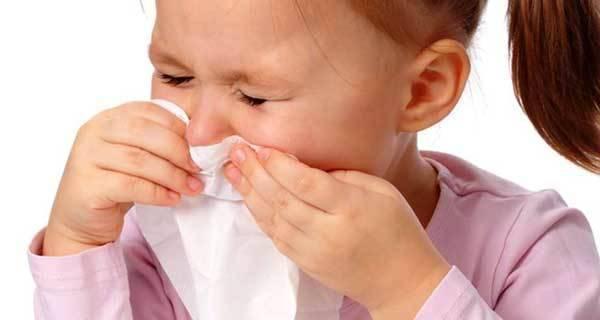 Причины образования соплей и кашля без температуры у детей и методы лечения