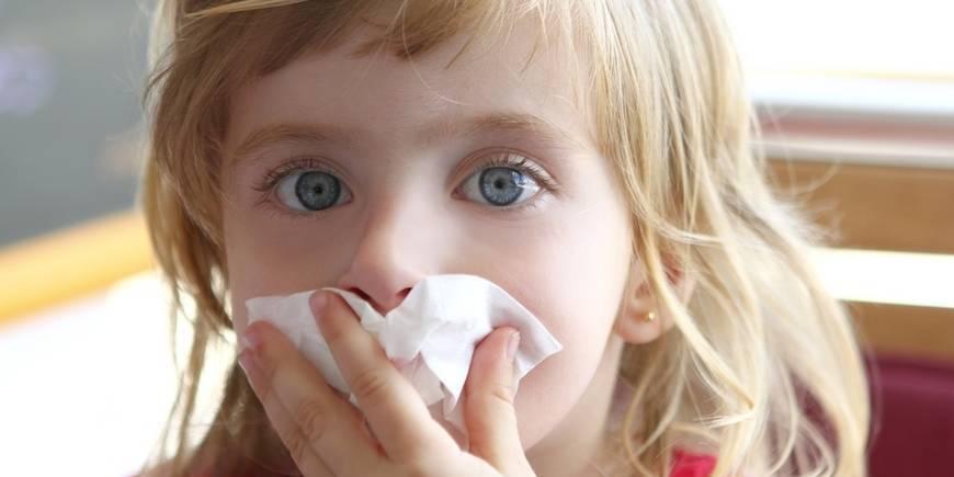 у ребенка сопли и чихает без температуры