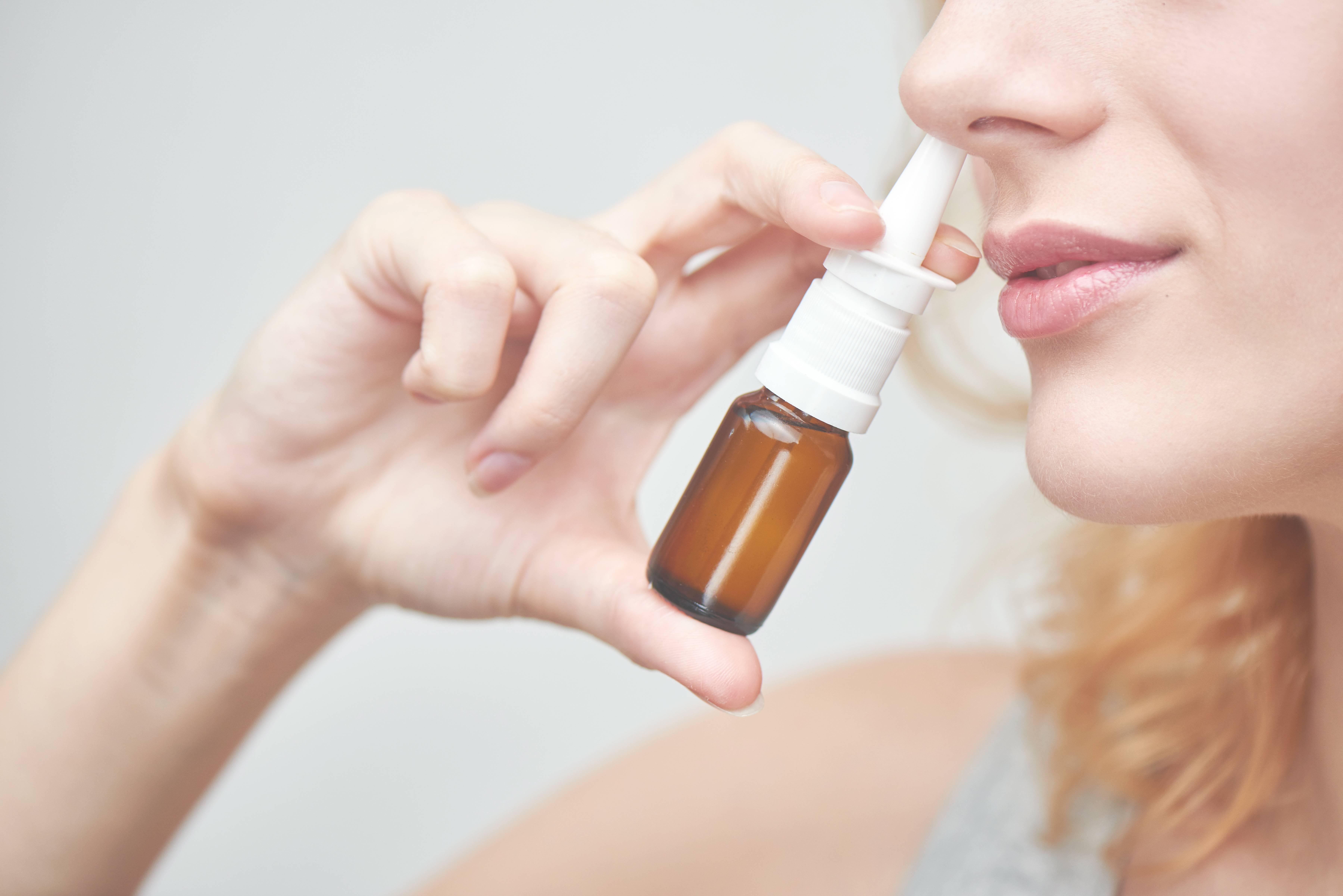 Привыкание к каплям в нос: как избавиться от такой зависимости