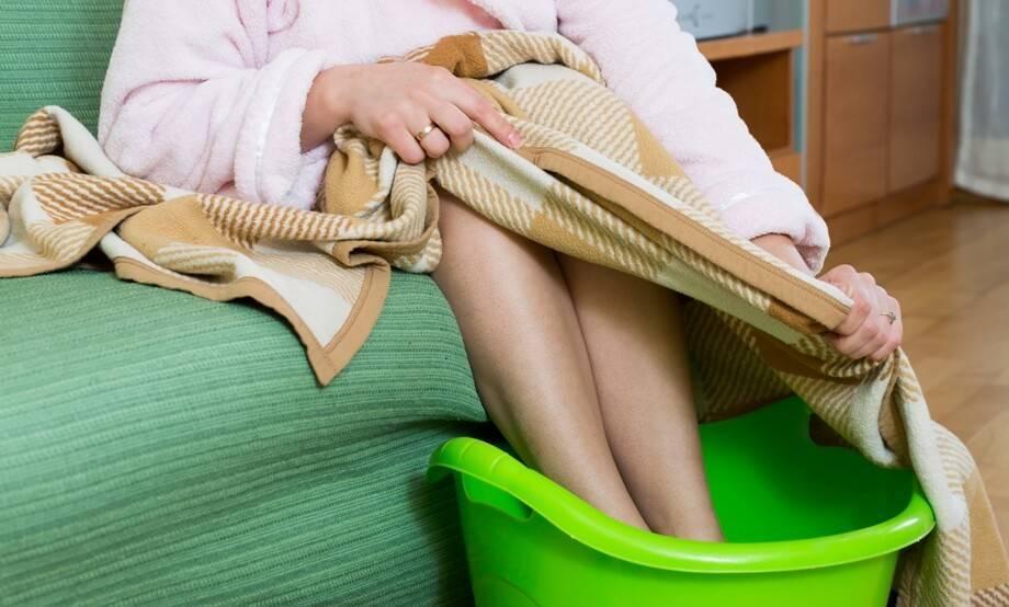 Можно ли греть ноги при насморке?