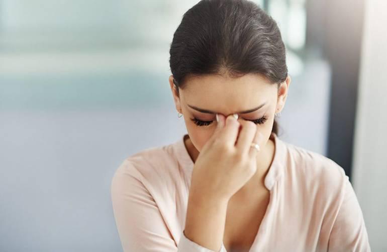 Светобоязнь глаз: причины у взрослого человека