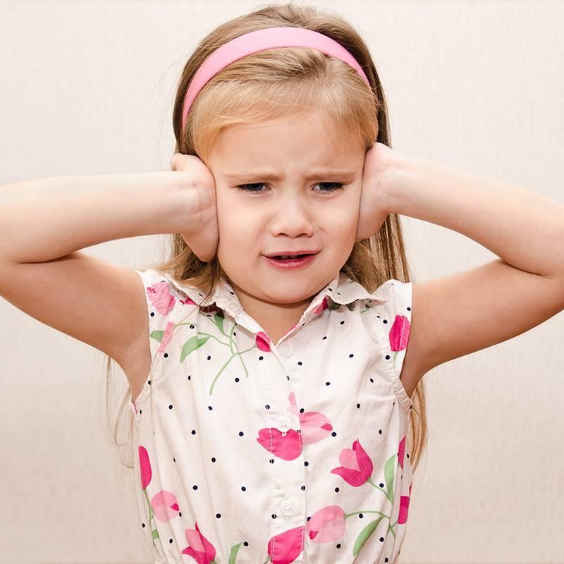 боли в ухе у ребенка