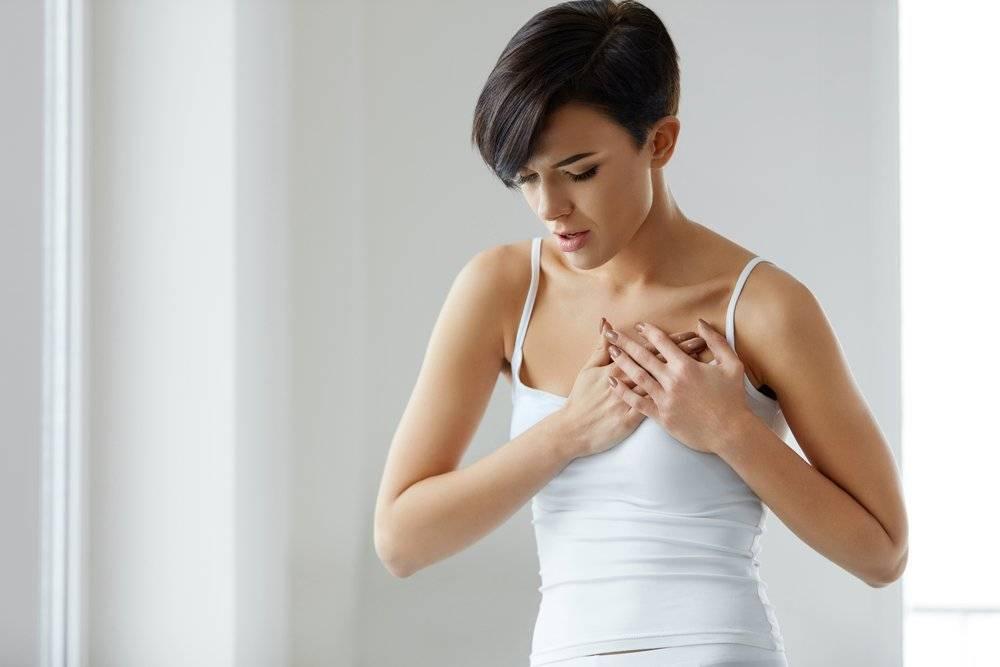 боль в молочных железах при надавливании