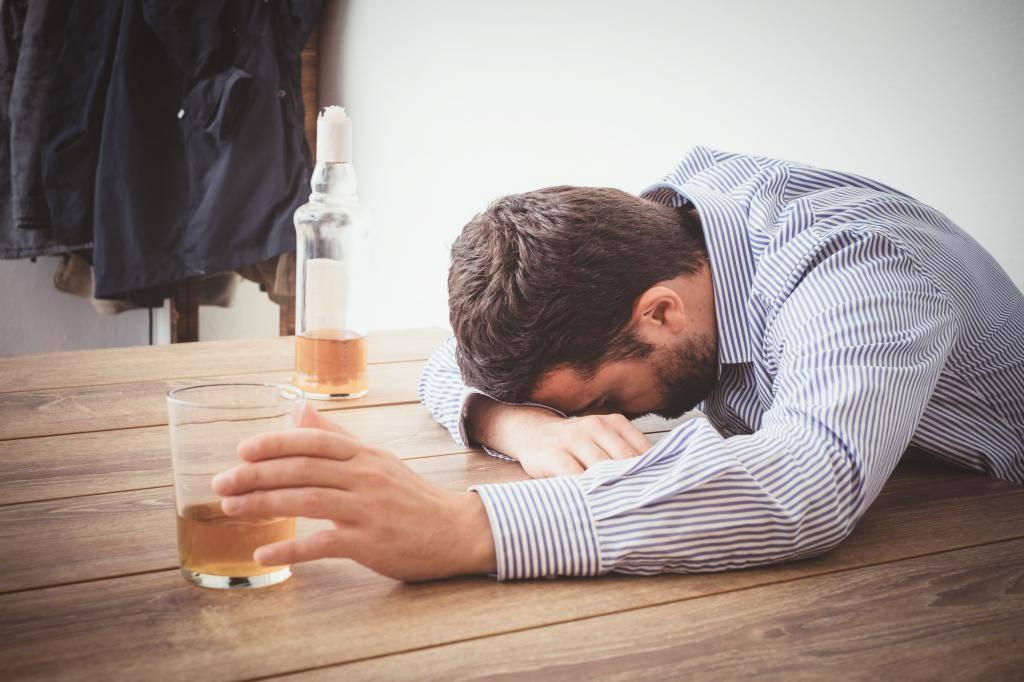 Хронический алкоголизм — заболевание или вредная привычка?