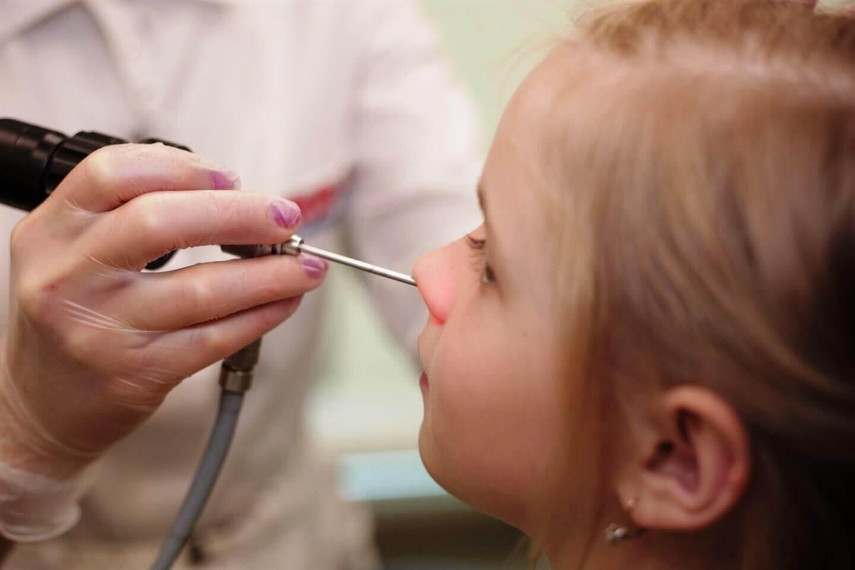 Лечение аденоидов у детей без операции: как вылечить и возможно ли?